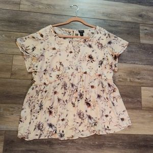 Torrid floral blush short sleeve blouse